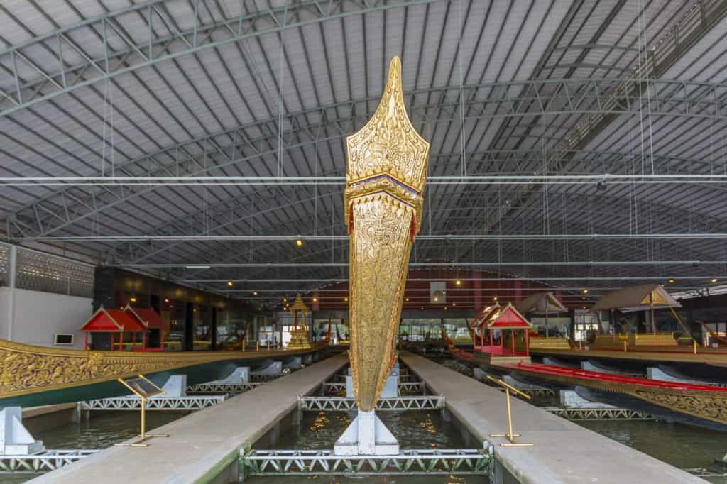 Der vergoldete Bug der Königlichen Barkasse Anekchart Puh-Chong