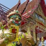 Das Wat Takien und  der Floating Markt neben dem Wat
