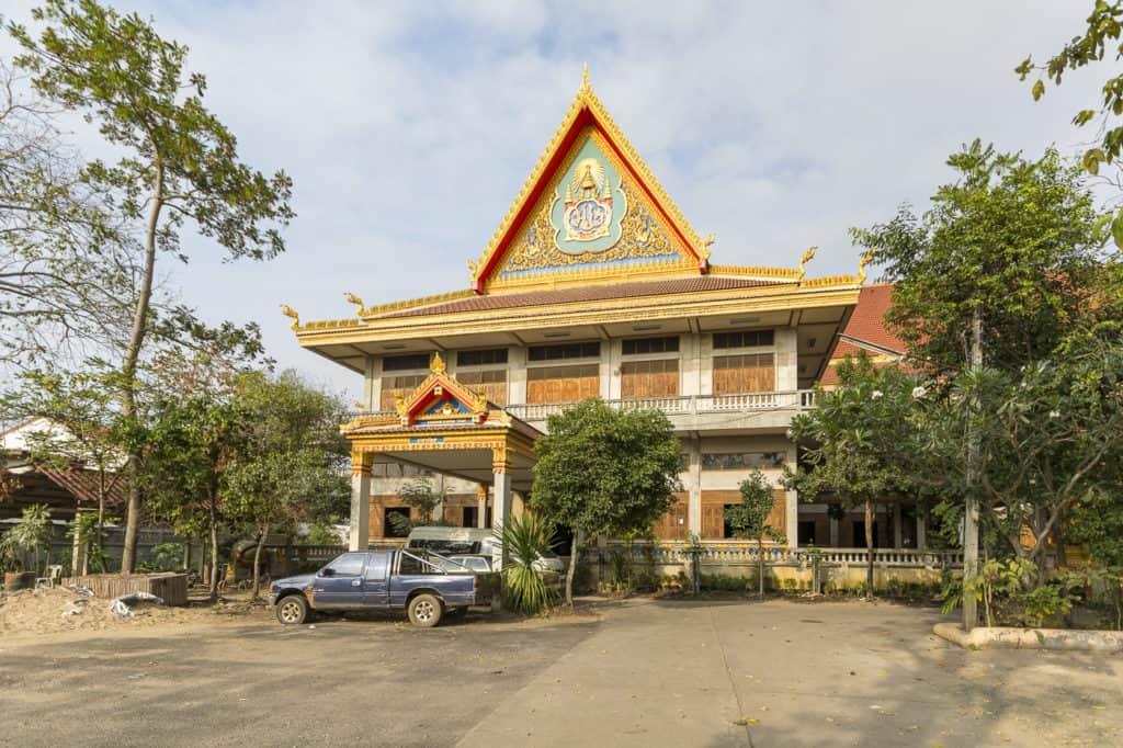 DAs große Haus neben dem Eingang zum Tempelgelände