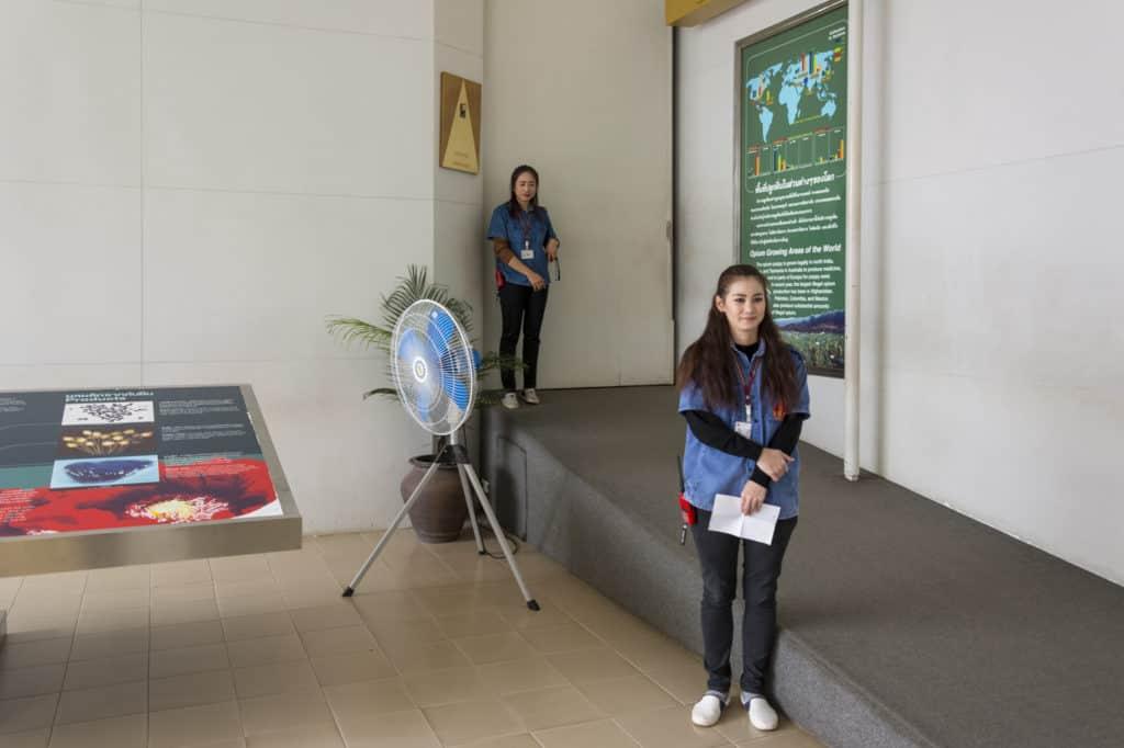 Führerinen in der Ausstellung der Hall of Opium im goldenen Dreieck Thailand