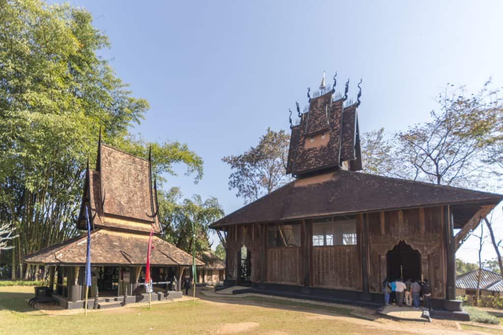 Recht merkwürdige Formenwelten erschuf der Künstler im Schwarzen Haus - Baandam in Chiang rai