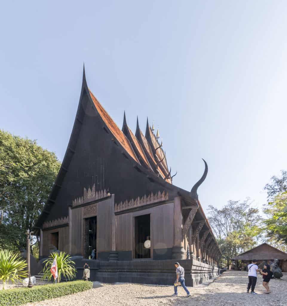 großes Haupthaus Main Sanctuary Hall in Baandam in Chiang Rai
