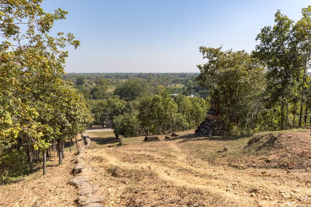 die Aussicht vom Tempelplateau des Wat SaPhan Hin