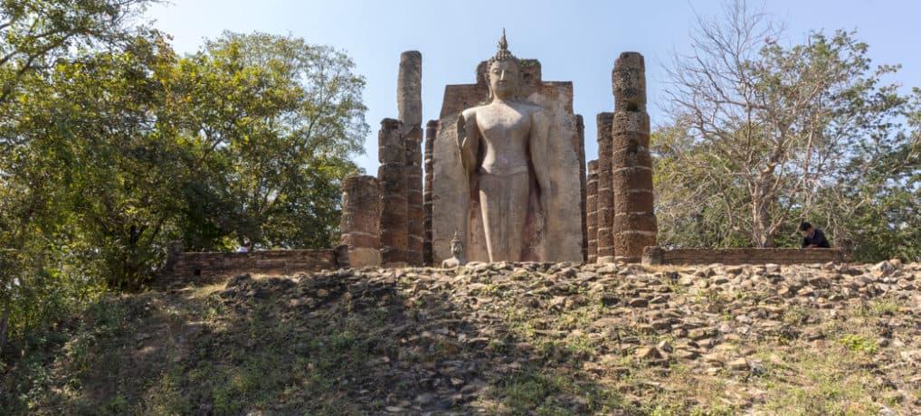 Der Bergtempel Wat SaPhan Hin in Sukhothai