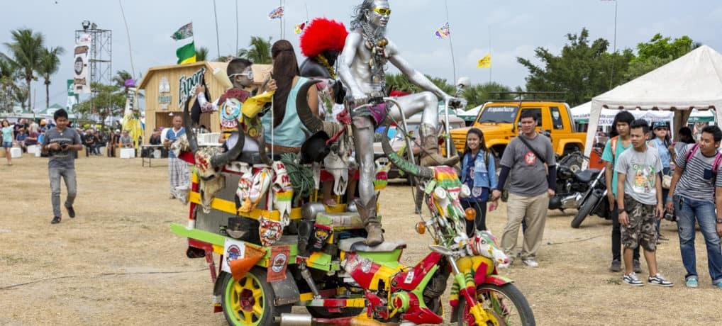Kunst und Kreativität an den Kraftfahrzeugen in Thailand