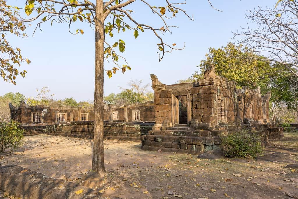 Überblick über den Pavillion der Weißen Elefanten im Phano Rung