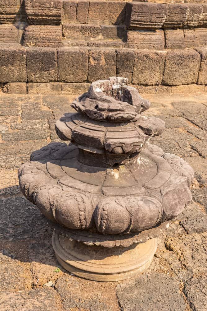 Eine der 5 Turmspitzen in Lotusform im Khmer Tempel