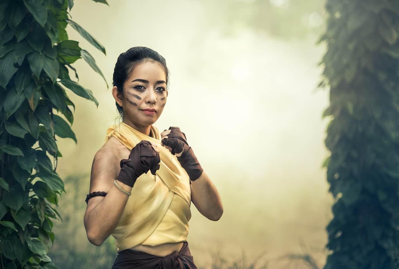 Wütende Thailänderinnen in Kampfstellung, sie sind manchmal unberechenbar