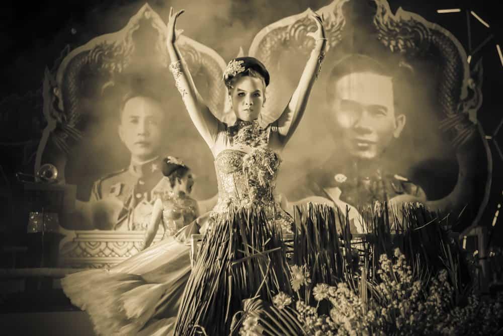 Schwarzweiss Fotografie The dance for the King's - Urlaub in Thailand
