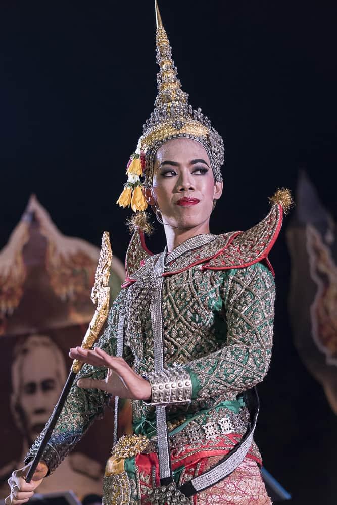 Wundervoll bestickte Kostüme aus Seide beim Khon