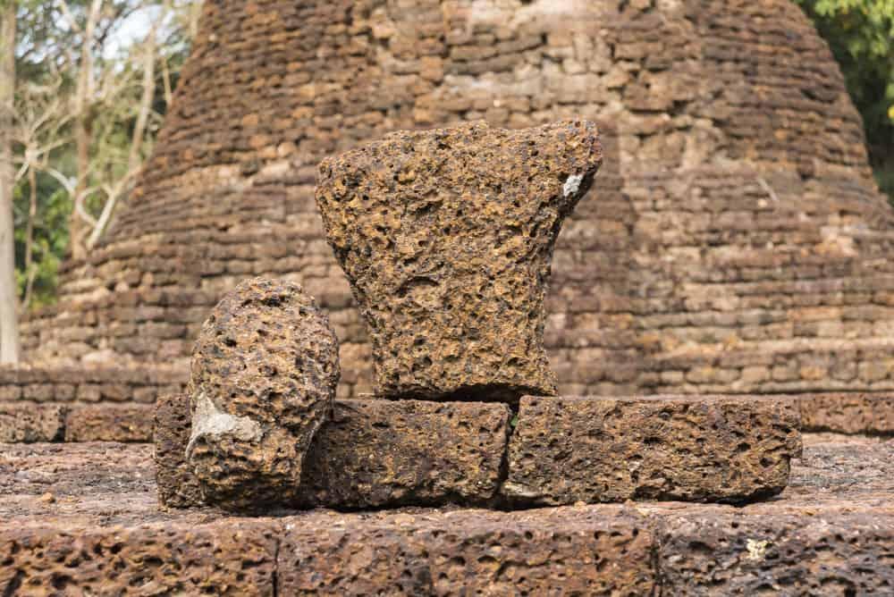 Die Reste der Buddha-Statue die damals mit Stuck überzogen war.