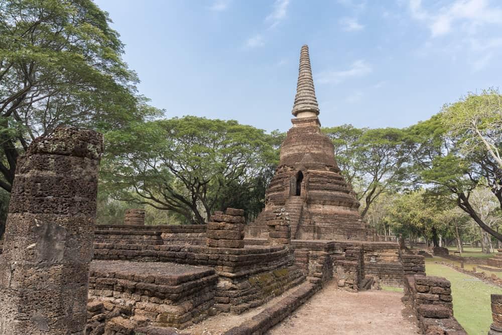 Hauptchedi im Wat Nong Phaya - historischer Park Si Satchanalai