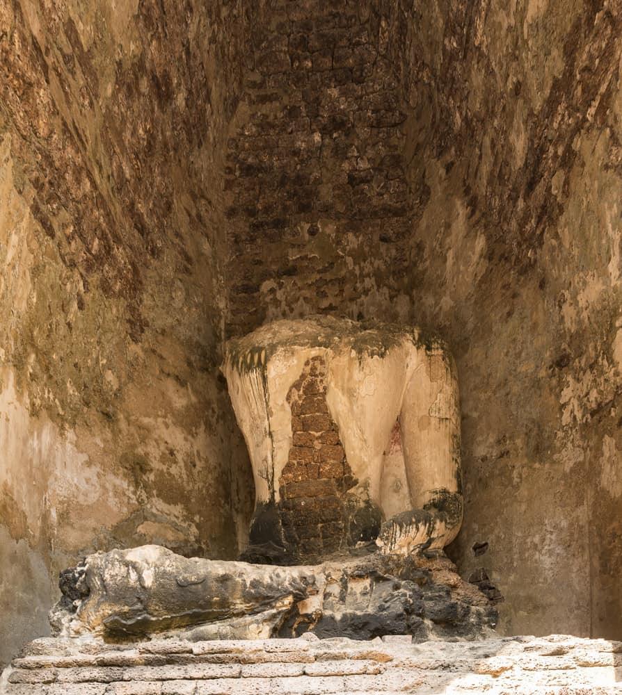 Sitzender Buddha der im Inneren eine Reliquie beinhaltet