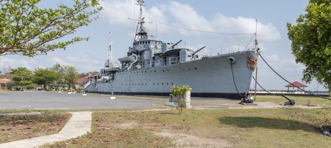 HTMS Maeklong und das Phra Chulachom Klao Fort