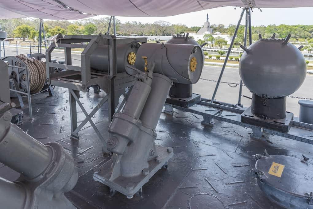 Seeminen und Minenwerfer zur U-Bootabwehr
