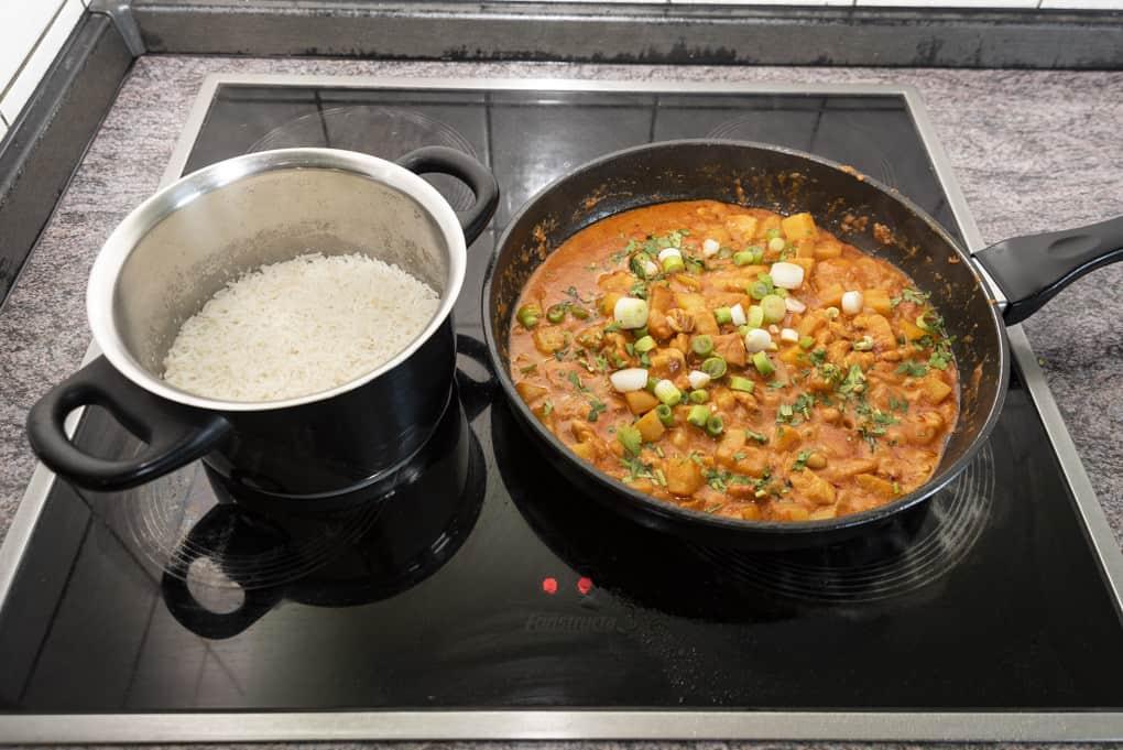 Massaman-Curry mit Reis