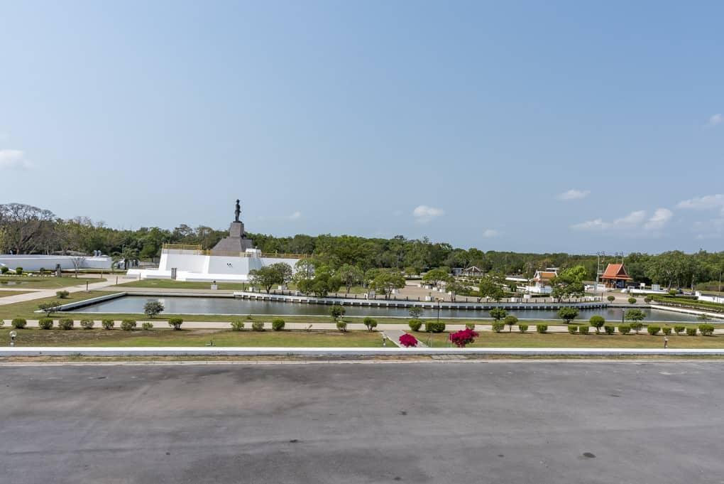 Ansicht des Fort von der HTMS Mae Song aus