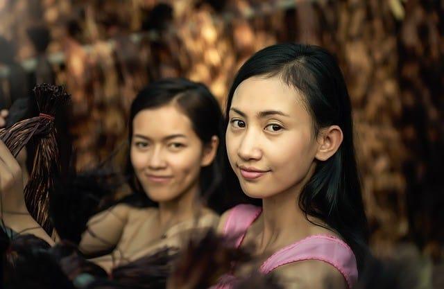 Mia Noi, junge Frauen als Zweitfrau in Thailand