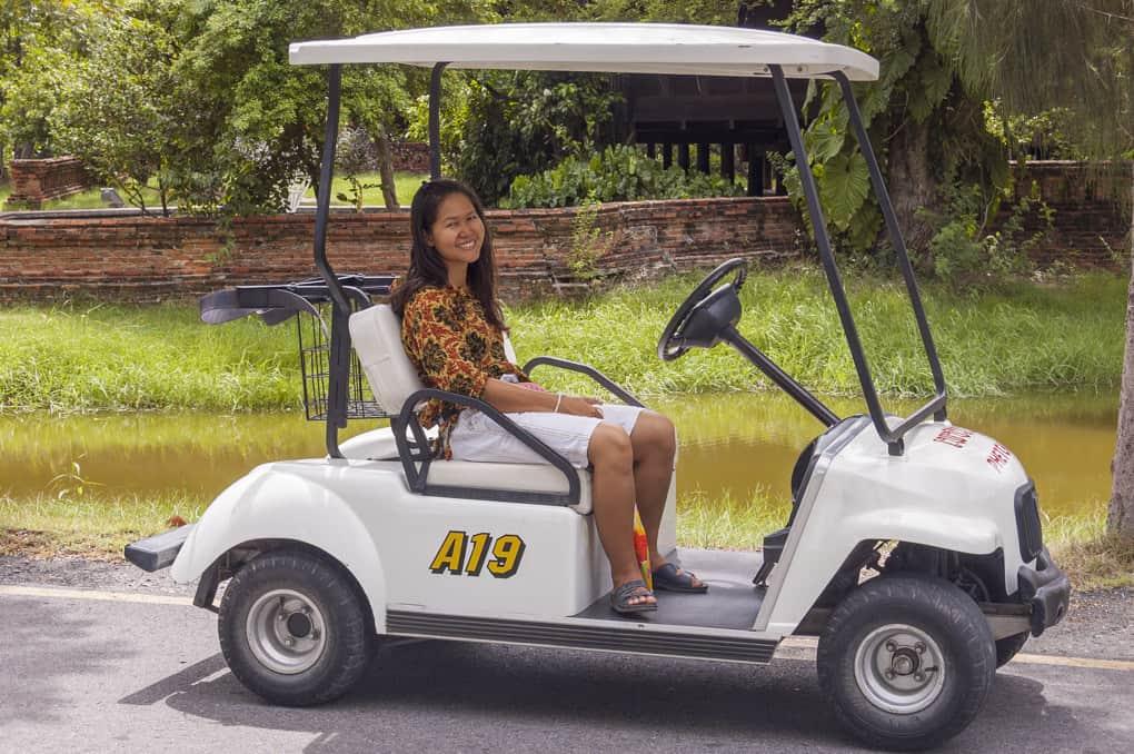 Golfcar das man sich im Freilichtmuseum Muang Boran - Ancient City ausleihen kann