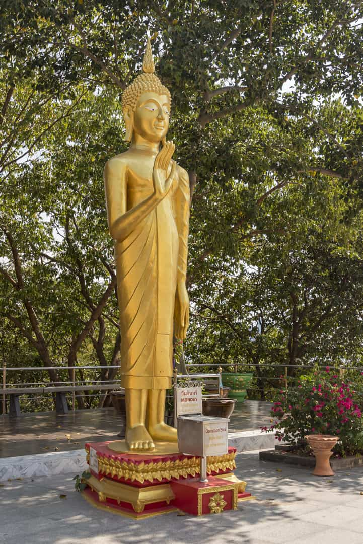 Wochentage In Thailand - Montags-Buddha
