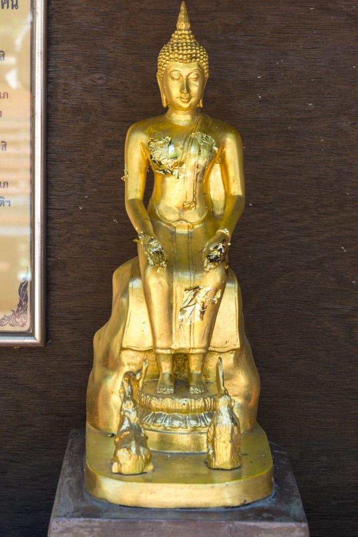 Wochentage In Thailand - Mittwoch am Abend - Buddha