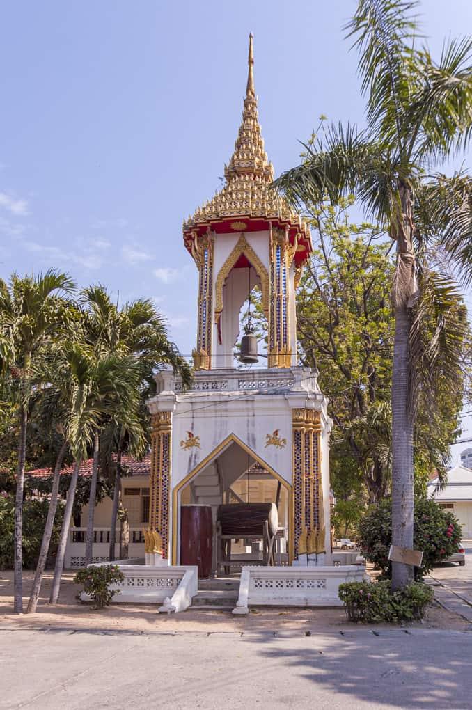 Glockenturm mit Trommel in einem Wat