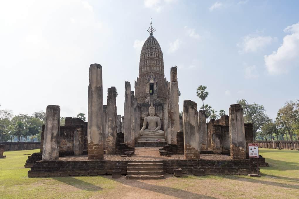 Viharn Luang Pho To mit Buddha-Statue