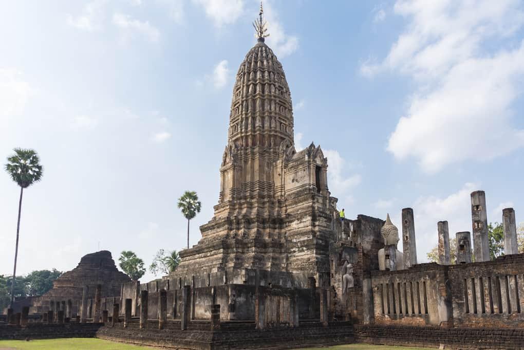 Prang im Wat Phra Si Rattana Mahathat in Chaliang