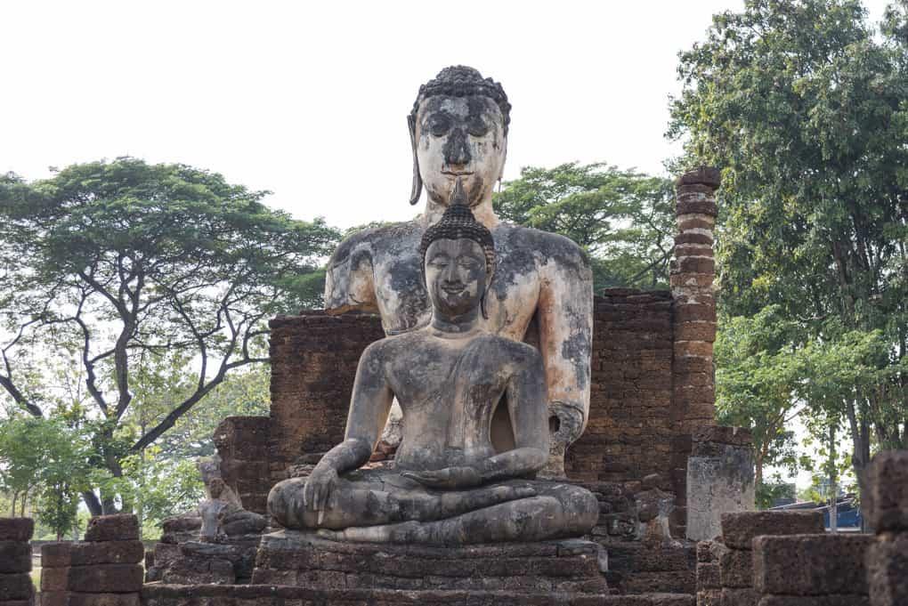 """Die beiden """"Brüder"""" im Viharn Phra Song Phi Nong"""