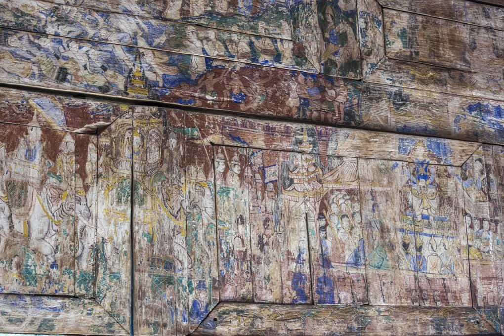 Langsam verblassende Wandmalereien