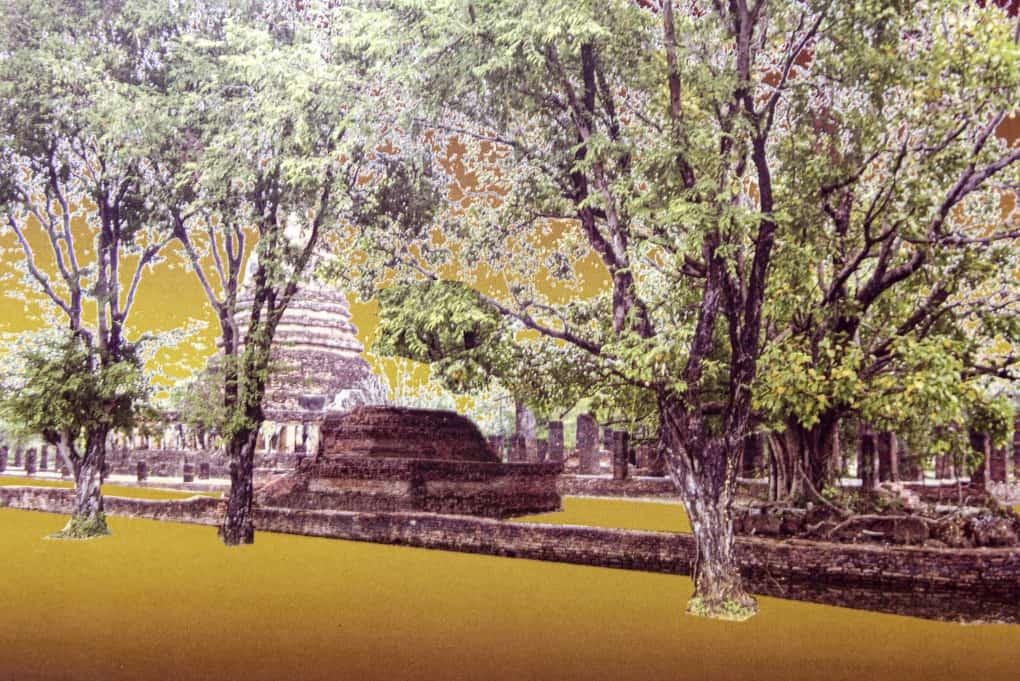 Rekonstruktion des Bewuchs im Wat Chang Lom historical park sukhothai