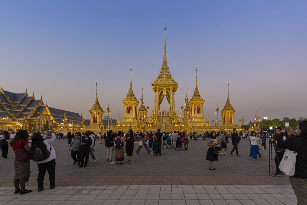 Krematorium seiner Majestaet Koenig Bhumibol Adulyadej in der Blauen Stunde
