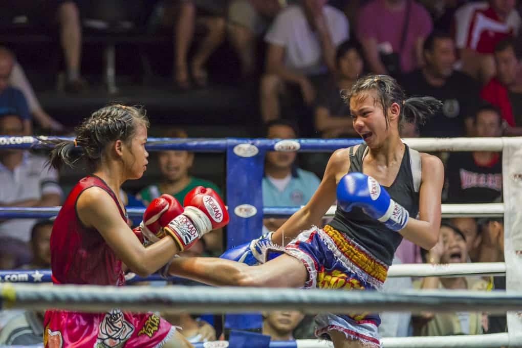 Sportaufnahmen beim Thai-Boxen mit einem 200 mm Tele-Objektiv