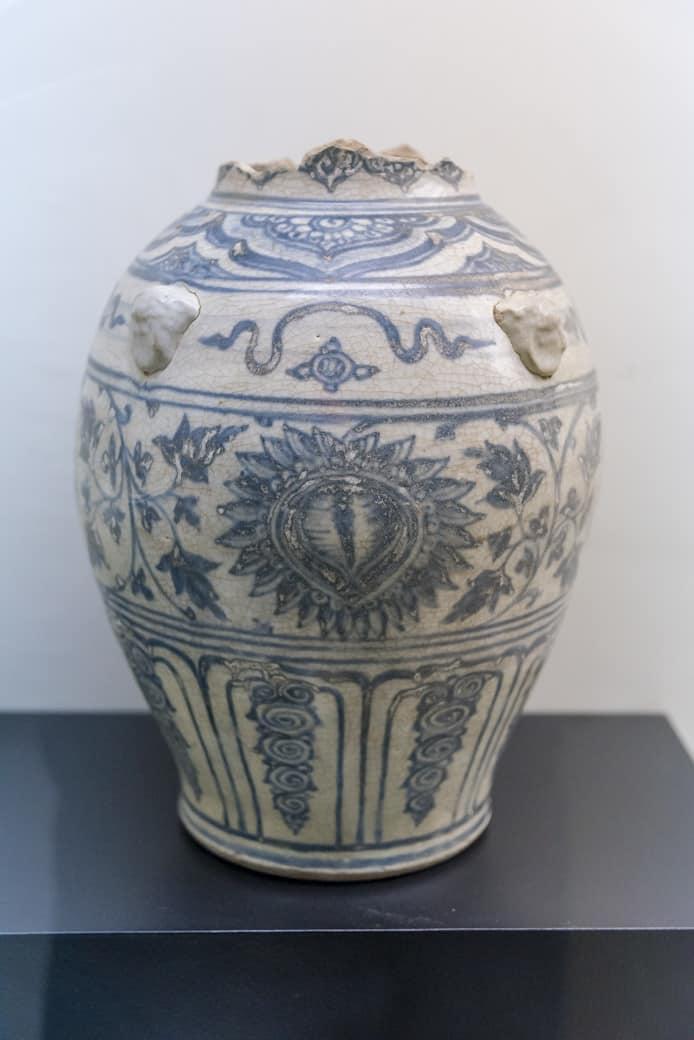 Unterglasur bemalte Vase