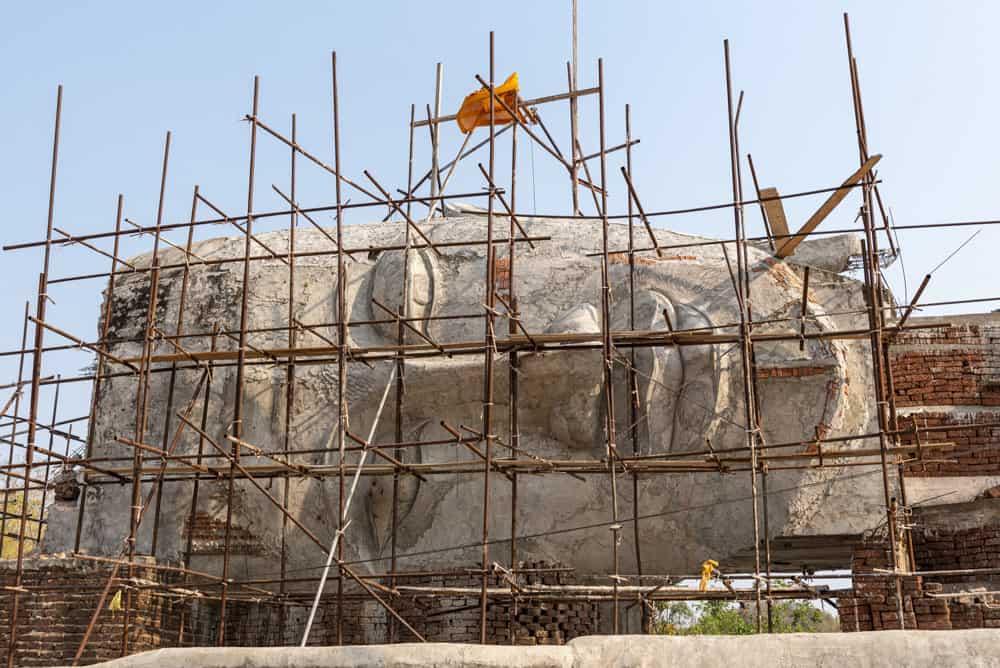 Riesiger Buddha-Figur des liegenden Buddha - Geheimtipp Thailand Sukhothai