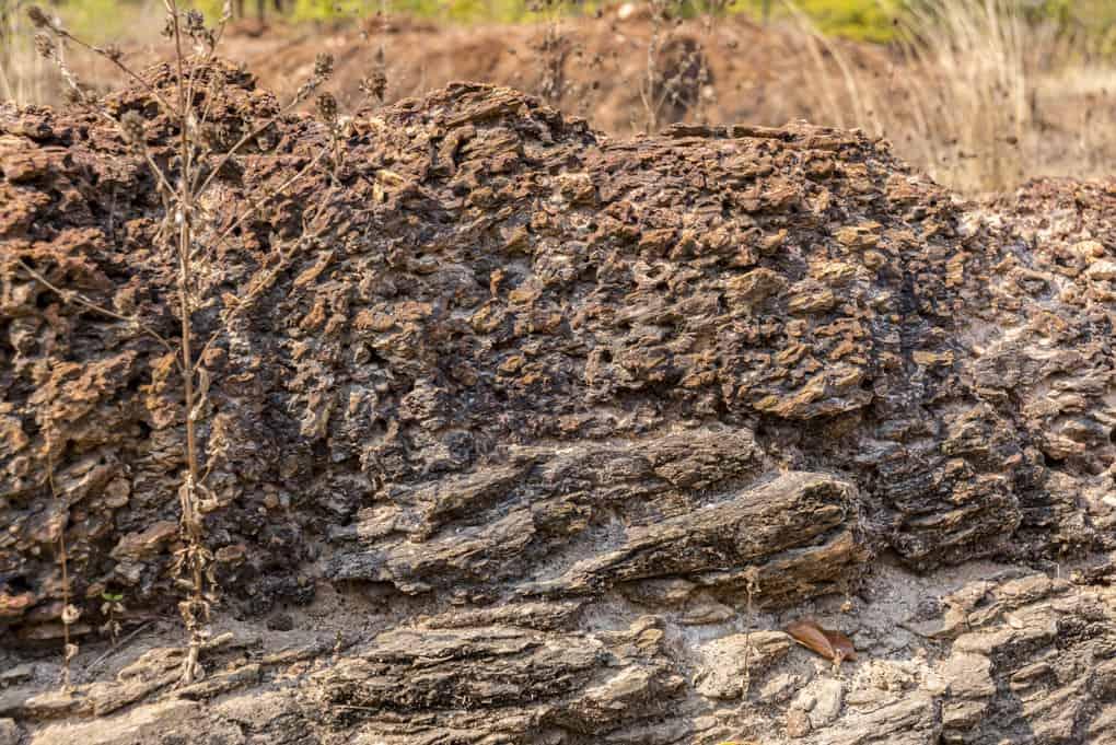 Laterit Ablagerungen auf Schiefer Sediment