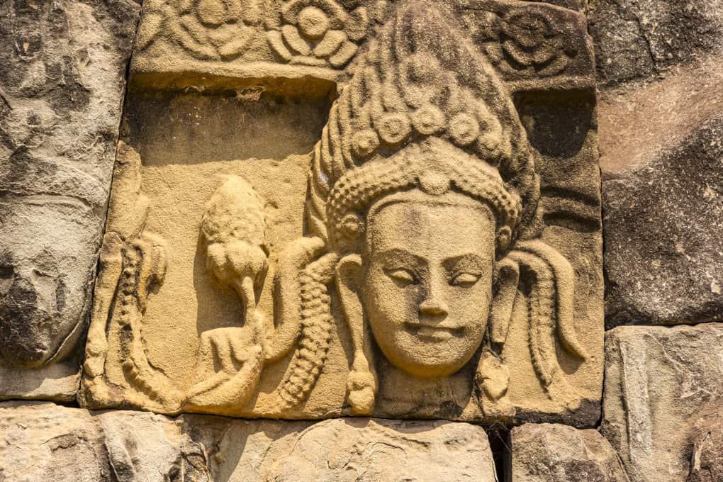 Bildnis einer Bodhisattva in einem Tempel in Kambodscha