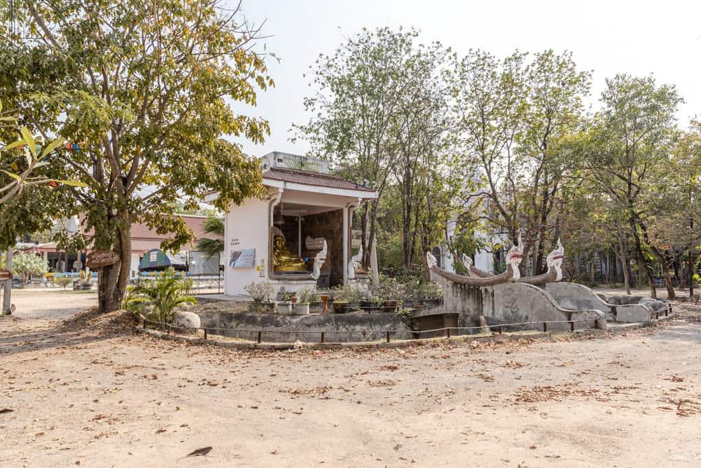 Wat Mai Charoenphol - Gebäude mit Chinesischem Buddha
