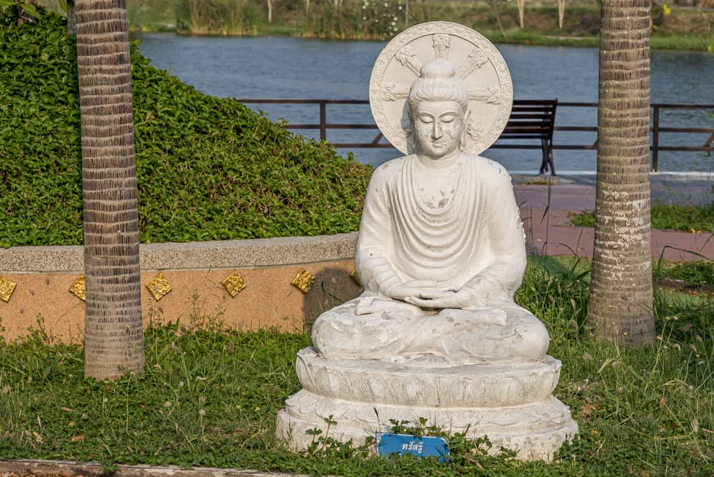 Handhaltung Buddhas - die Meditationsgeste (dhyani mudrā)