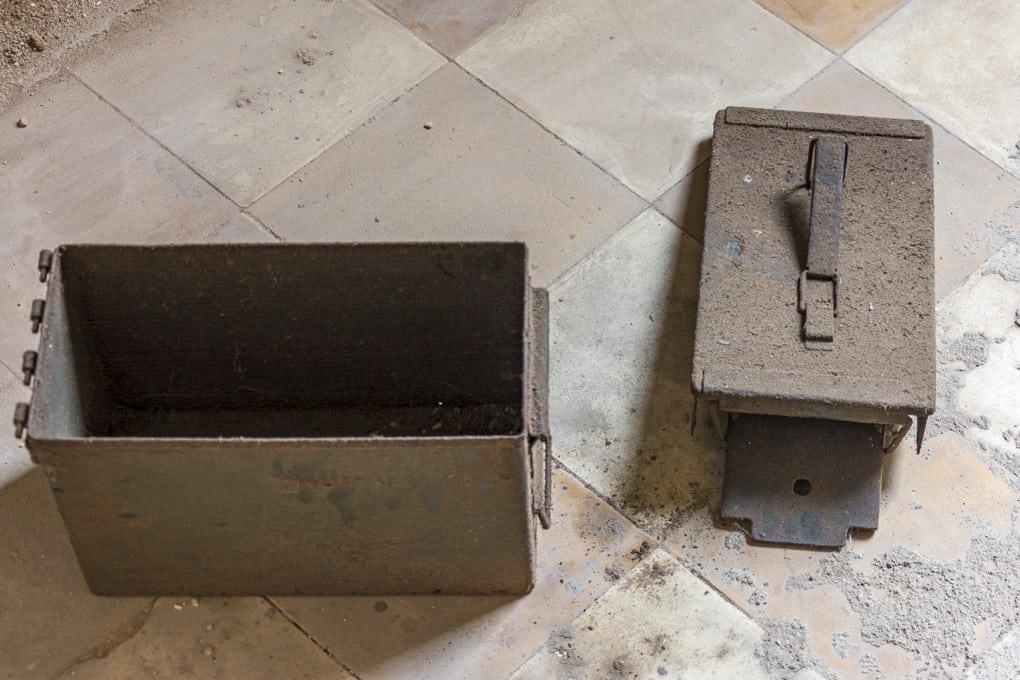 Munitionskasten diente als Toilette