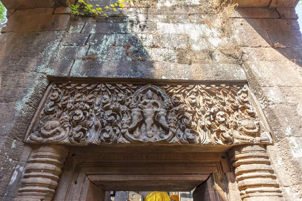 Türsturz mit Shiva auf dem Reitelefanten