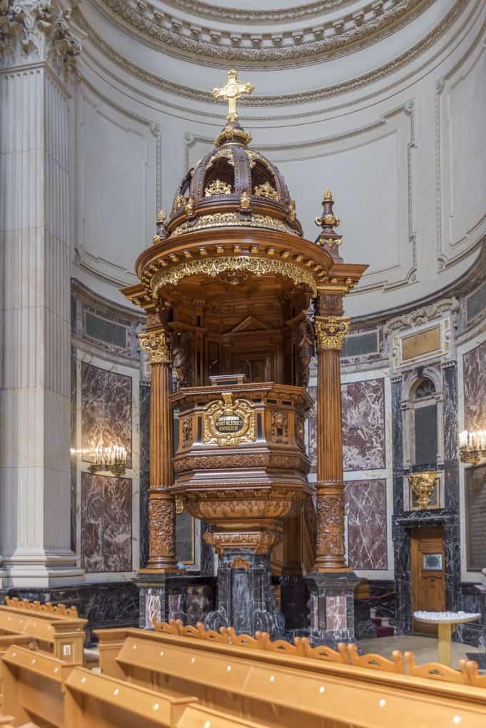 Kanzel im Berliner Dom
