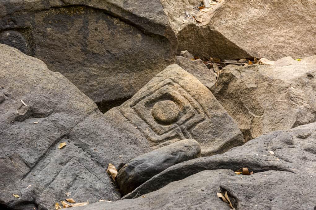 Steinmetzarbeit - das Ikongramm des Ligam
