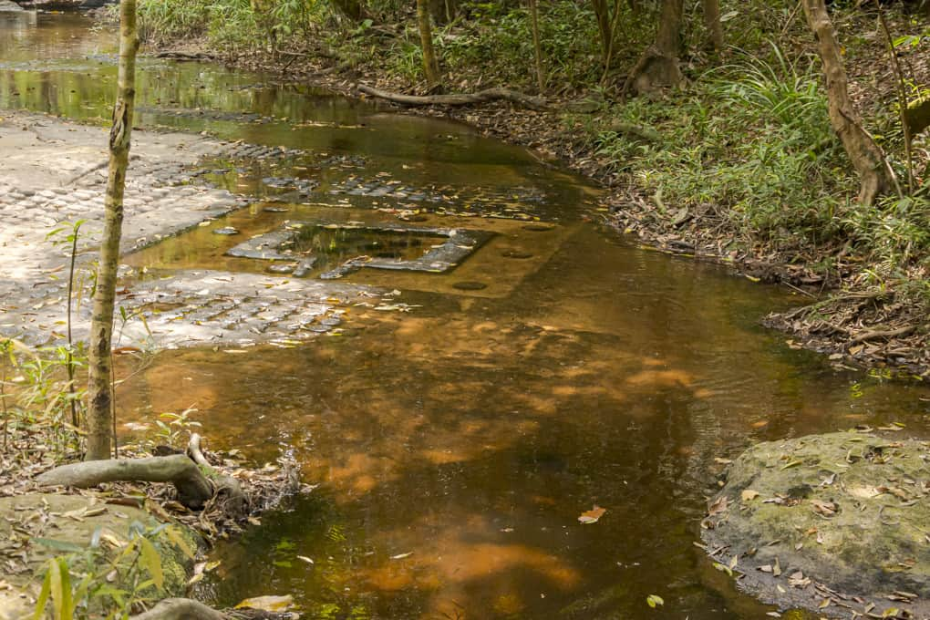 Das Ligam ist vielfach mit dem heiligen Wasser verbunden