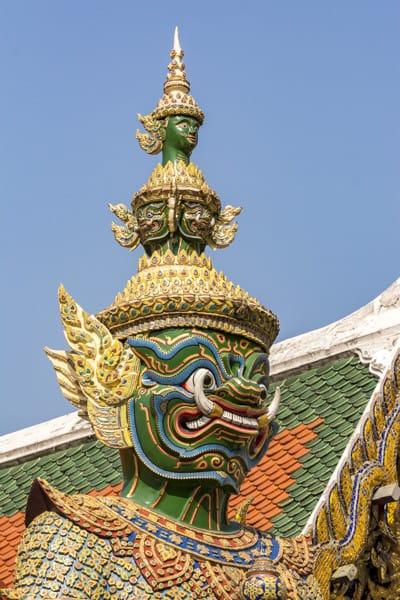 Thailändischer Yaksha mit grimmigen Gesicht