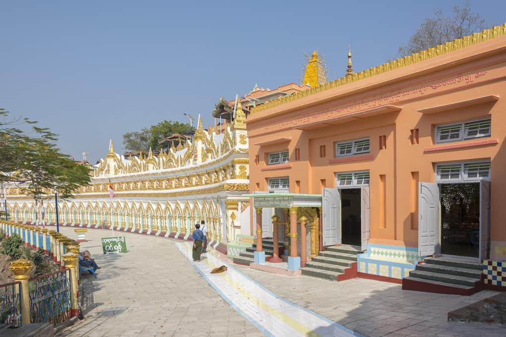 Überblick über die 30 Höhlen Pagode U Min Thonze - Sagaing - Myanmar