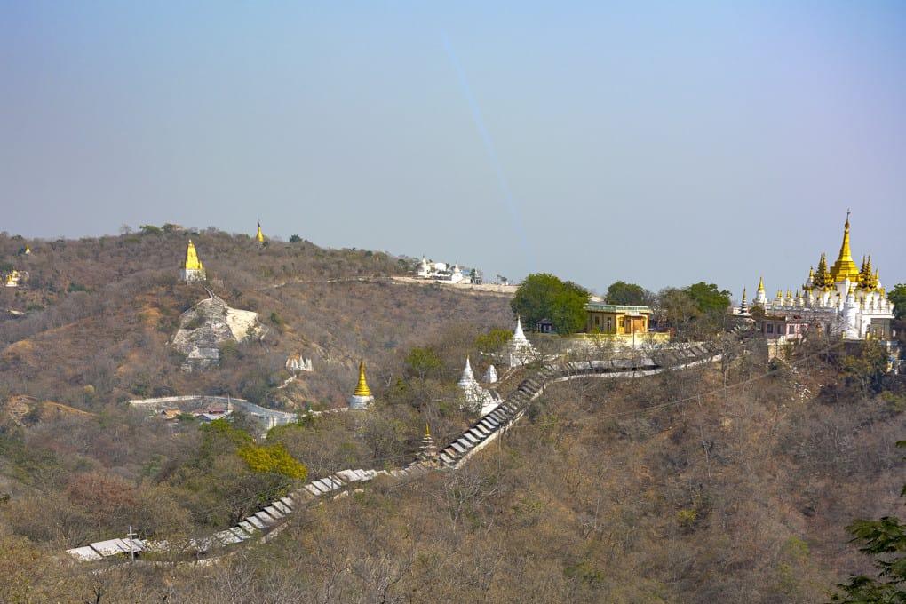 Ausblick über den Sagaing Hill von der U Min Thonze Pagode aus - Sagaing - Myanmar