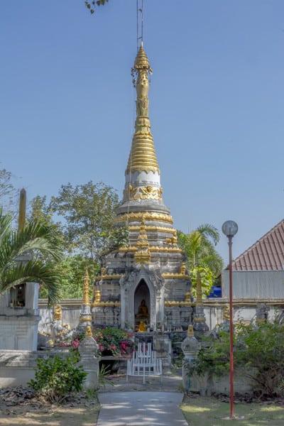 Chedi im Wat Si Rong Mueang - Lampang