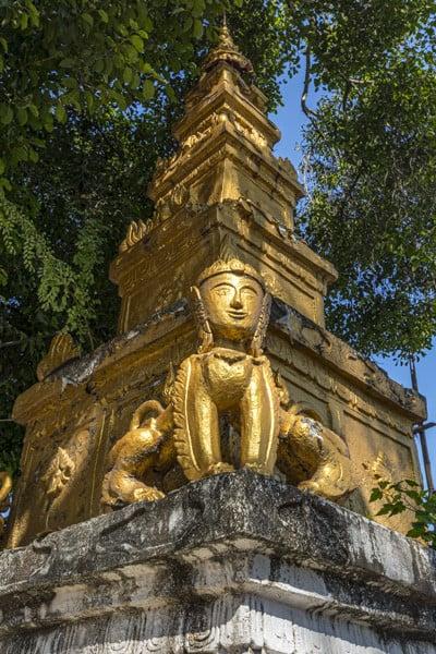 Verziehrung an einem Stupa