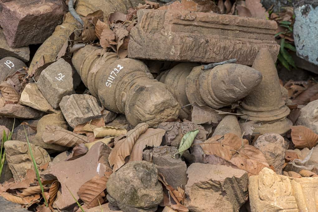 Nummerierte Fundstuecke die noch auf den Einbau warten